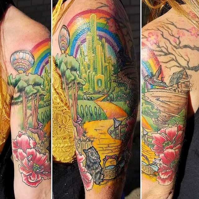 This colorful Wizard of Oz piece was done by Resident Ikonic Artist, Joshua Kunkel