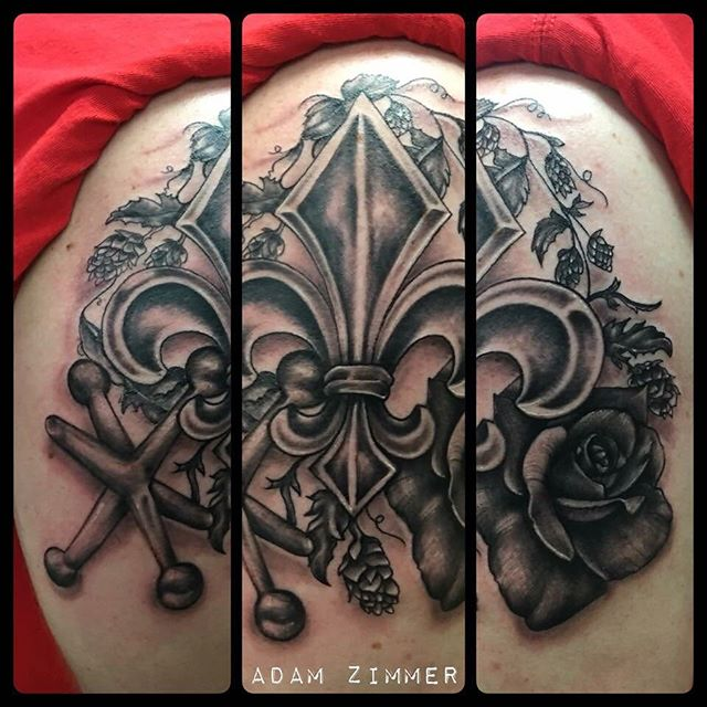 Adam Zimmer _adam_zimmer_tattoos tattooed this gorgeous black and grey Fleur de Lis, Botanical, Jack