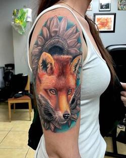 An amazing fox tattoo done by Ikonic Artist Shawn Elliott!! _shawn_elliott_isa #foxtattoo #spectraha