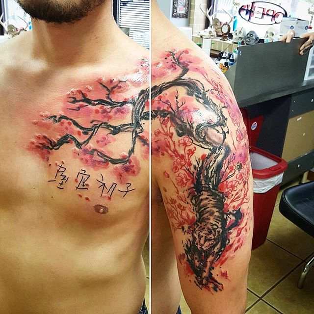 Joshua's Japanese-Style is beyond stunning! Check out this spin of a tiger cherry blossom tree! 😍 _