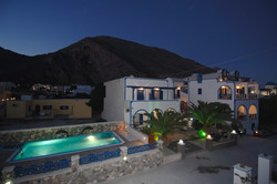 Villa Aretousa-night