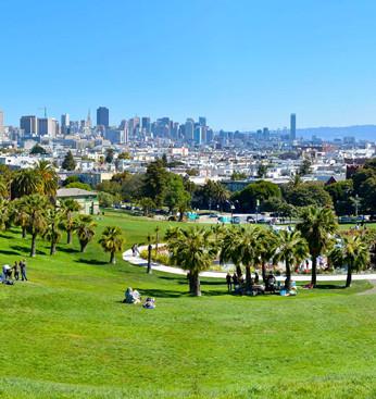 vista panorámica de la ciudad con el hor