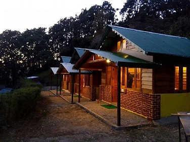 Wooden-Lodge-Nainital-Pangot.jpg