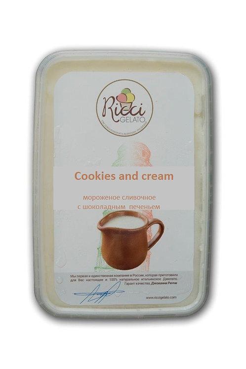 Cookies and cream (мороженое сливочное с шоколадным печеньем, 750 грамм)