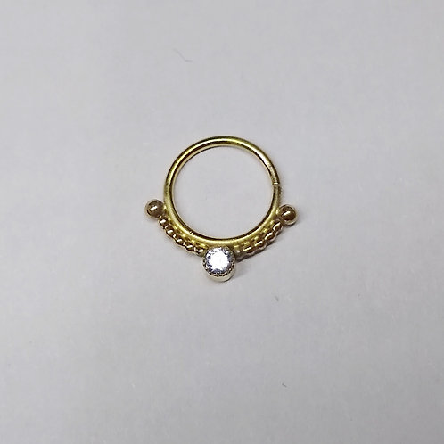 Single bezel multiple bead ring