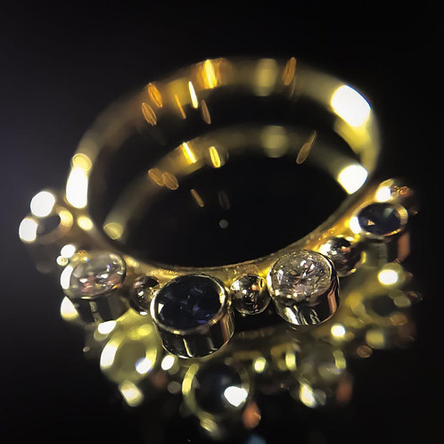Genuine blue sapphire & VS diamond ring