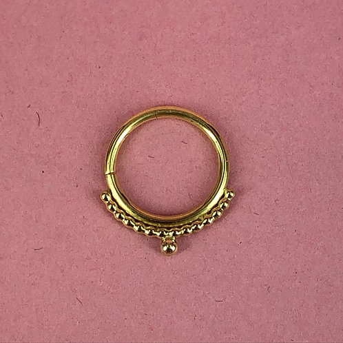Beaded ring with ball