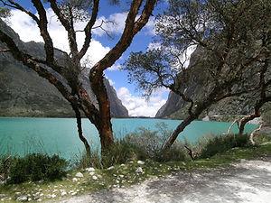 lagoon white cordillera
