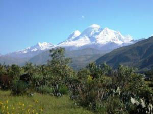 highest mountain peru