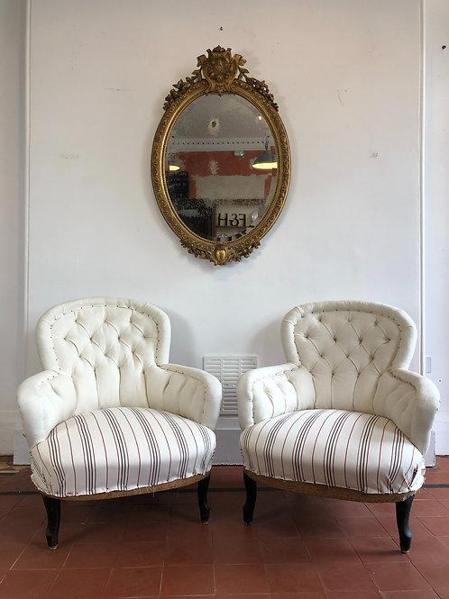 Pair of deep buttoned armchair