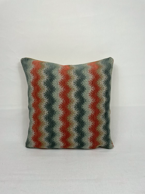 Colefax and Fowler 'Erin' Fabric scatter cushions