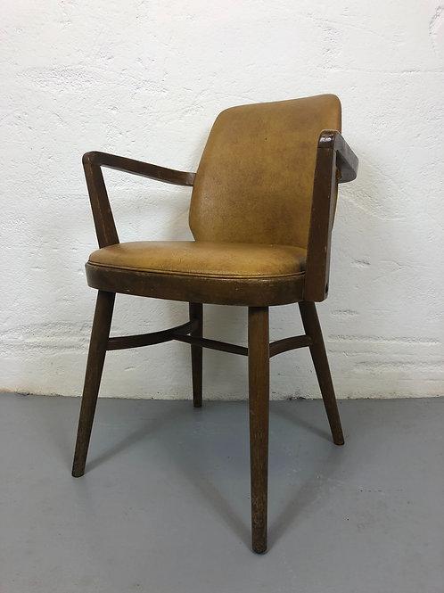 16 'Ben chairs'
