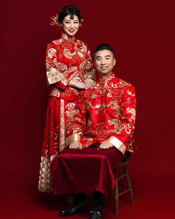 Traditional Chinese bride and groom #preweddingshoot 💕💕💕💕💕💕 📷_ 美辰视觉 _inglamour_wedding 💄_me