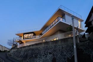 「展望台の家」