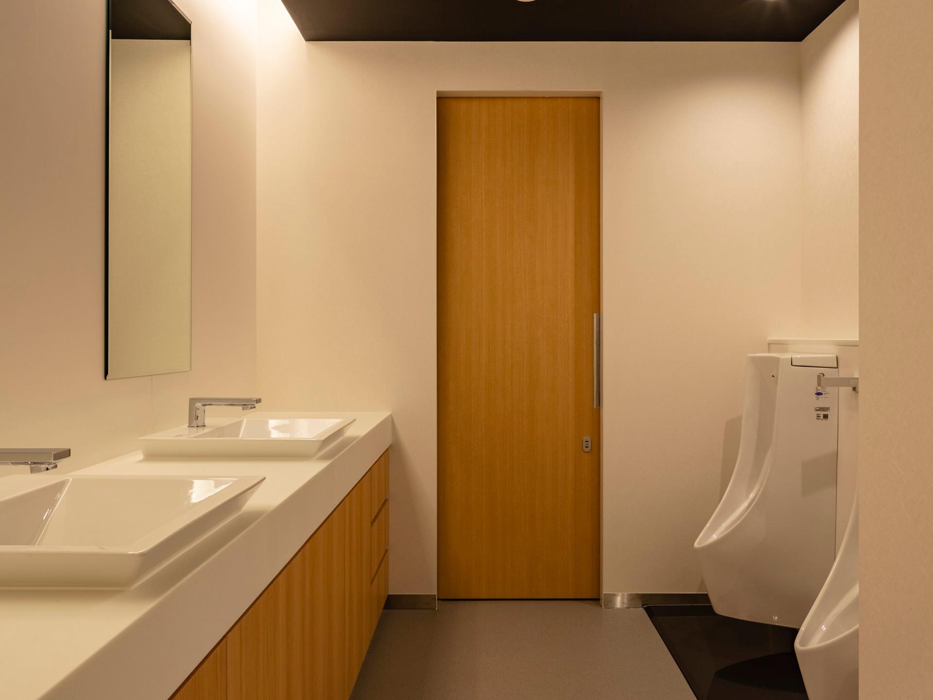 04_男子トイレ