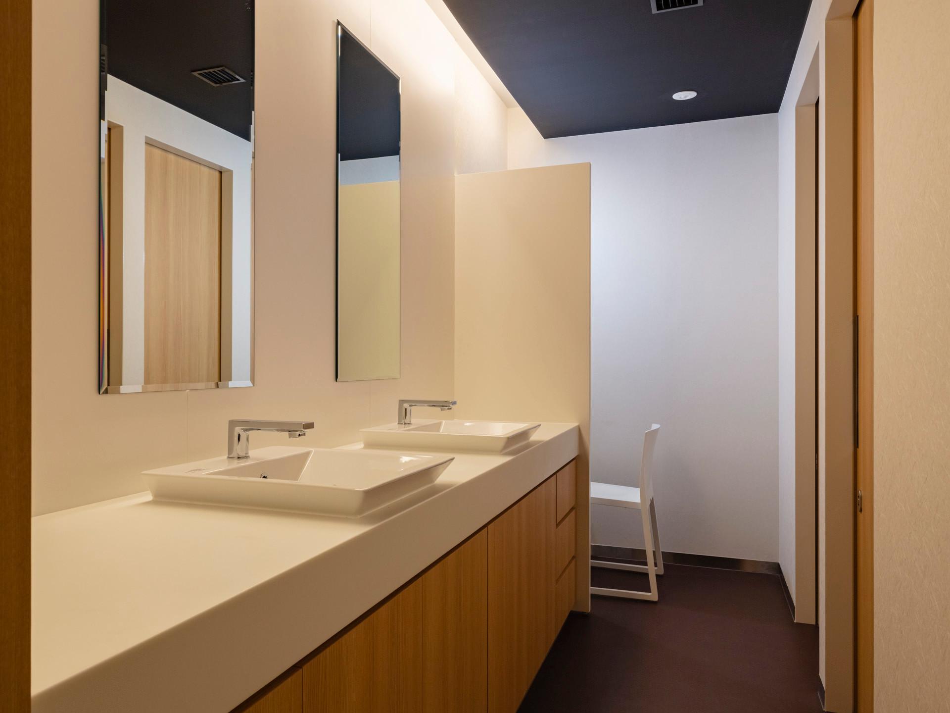 05_女子トイレ