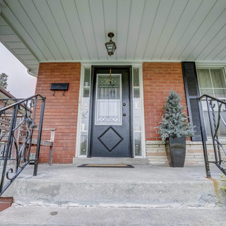 Perfect Family Home On A Quiet Crescent With A Large Lot. This Recently Renovated Home Has An Open Concept Layout, With Granite Counter Top In The Kitchen, Crown Moulding In The Living And Dining Rooms, & Harwood Flooring All Throughout The First Floor. Spacious Bedrooms Have Tons Of Closet Space. This Home Is Very Close To Schools, Parks, Grocery Shopping, Ttc, Highway 401, 427 And Much More