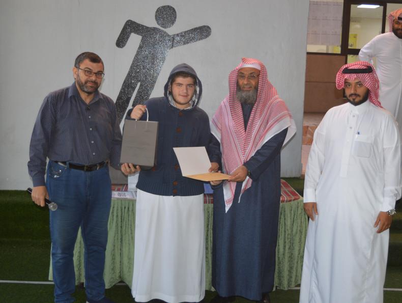 تكريم الطلاب الفائزين في مسابقة تحسين الخط
