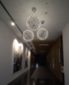 welcoming foyer lighting