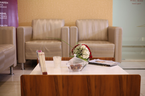 Dr-mulham-polyclinic-in-dubai-jumeirah-multispeciality-with-food-intolerance-testing-closeup-reception