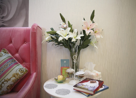 Waiting Area Closeup Belle Donne Beauty Clinic at Dr Mulham Polyclinic in Dubai UAE.jpg