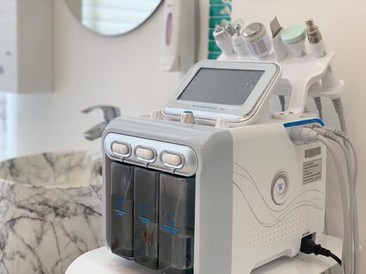 hydrafacial Belle Donne Beauty Clinic at Dr Mulham Polyclinic in Dubai UAE.JPG