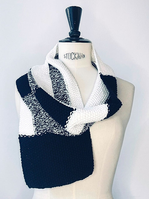 Scarf Black and White