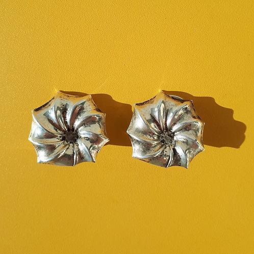 Clip Fleur striée