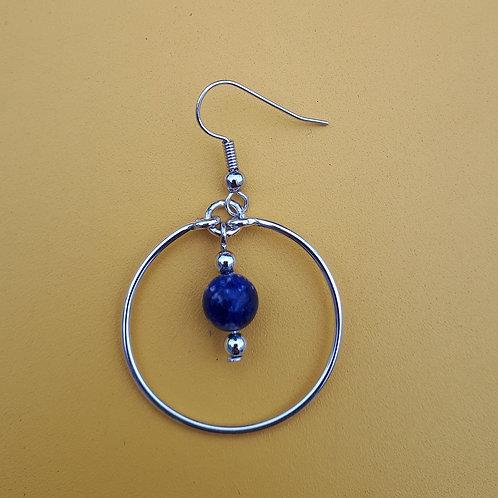 Perle bleue encerclée