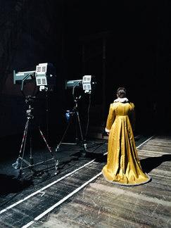 Die Zauberflöte - Pamina (Magdalena Hinterdobler) Backstage - Oper Leipzig 2018