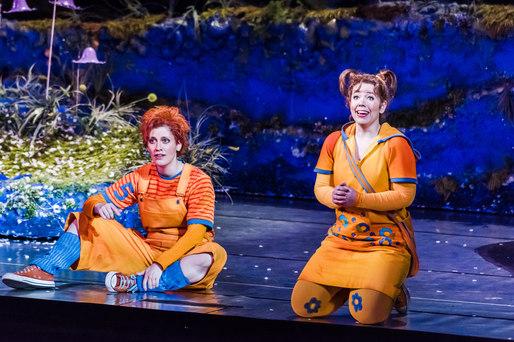 Hänsel (Sandra Janke) und Gretel (Magdalean Hinterdobler) - Oper Leipzig 2016