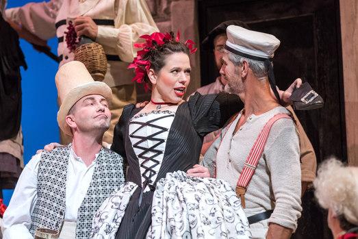 Casanova - Magdalena HInterdobler (Bettina) mit Chorherren - Oper Leipzig 2018