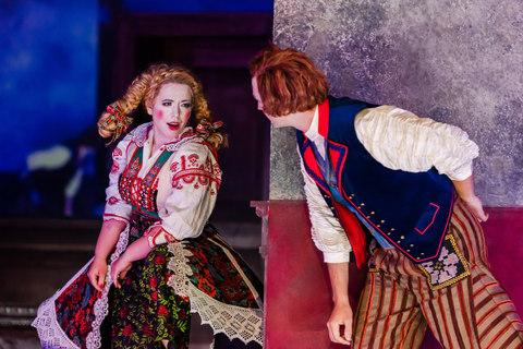 Die verkaufte Braut - Hans (Patrick Vogel) und Marie (Magdalena Hinterdobler) - Oper Leipzig 2019