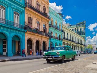 С 1 ноября Россия возобновляет авиасообщение с Кубой, Сербией и Японией