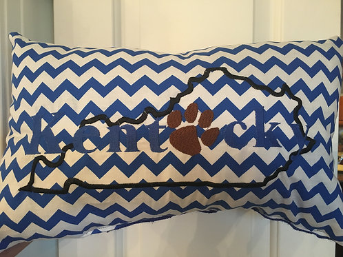 KENTUCKY CHEVRON PAW PRINT PILLOW