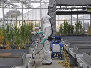 New Pesticide Applicators Protective Gear for Improved Thermal Comfort and Mobility
