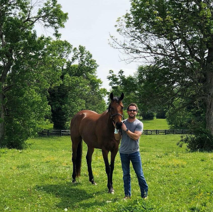 Hmmmm...what do I love most about #kentucky....@kytastebuds @KentuckyTourism I ❤️ my horse Magic!!