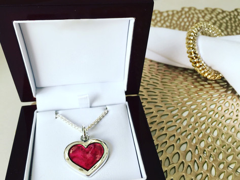 """""""Kentucky Love"""" Must-Have's for Valentine's Day"""