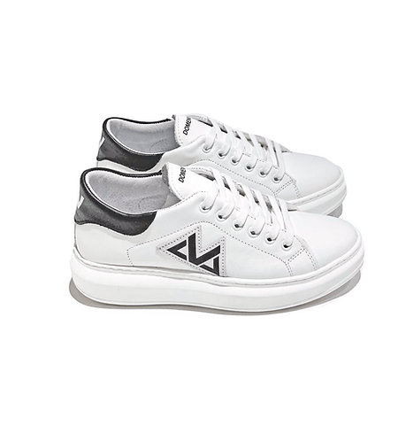 Sneakers 100% Leather Made in Italy White and Black with White Laces