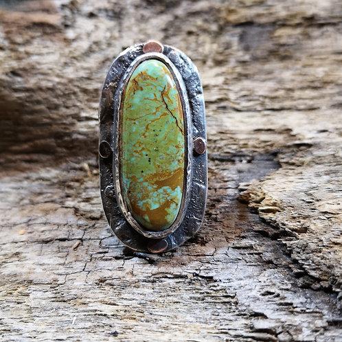 Turquoise & 9 carat gold ring