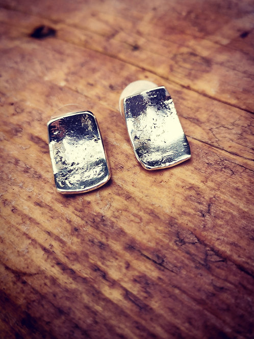 Concave rectangular beaten silver studs
