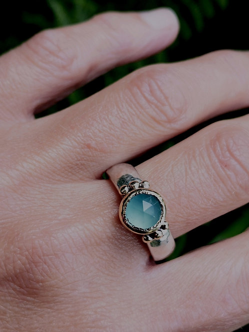 Sterling Silver, Chalcedony and 18 carat gold ring