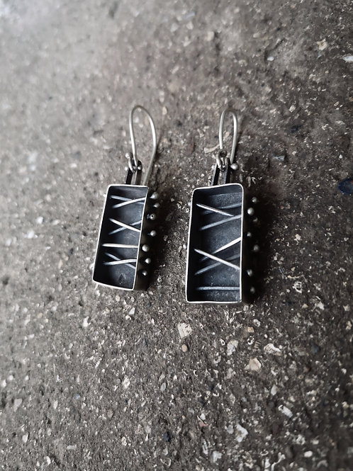 Rectangular spoke earrings