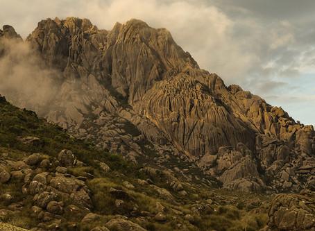 Vamos conhecer o Parque Nacional mais antigo do Brasil? Visite o Parque Nacional de Itatiaia.