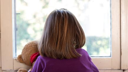 Protection de l'enfance : des mesures positives mais un manque d'ambition