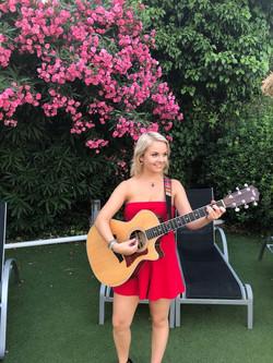 Daisy Kate Live Music at Laguna