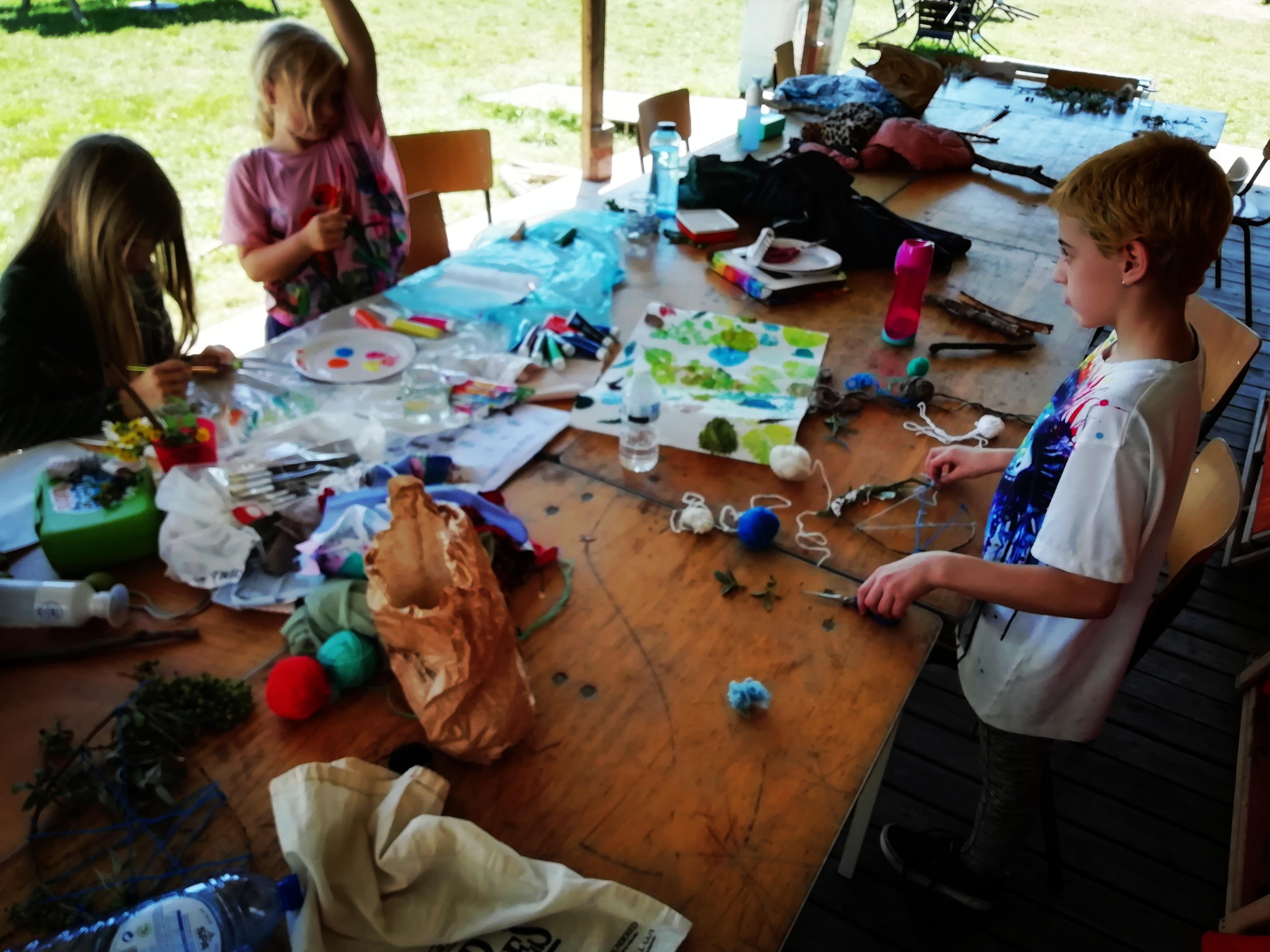 Creatief met afval en natuurlijke materialen: Windvanger