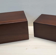 Large and small basic urn.jpg