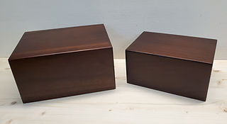 urns xl and l.jpg