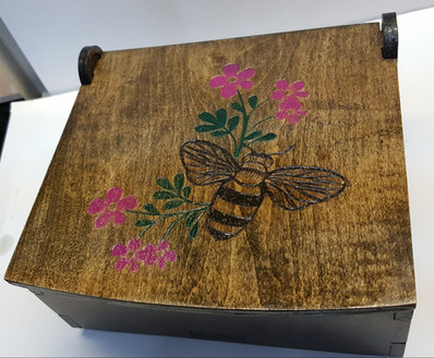 bee-box-top.jpg